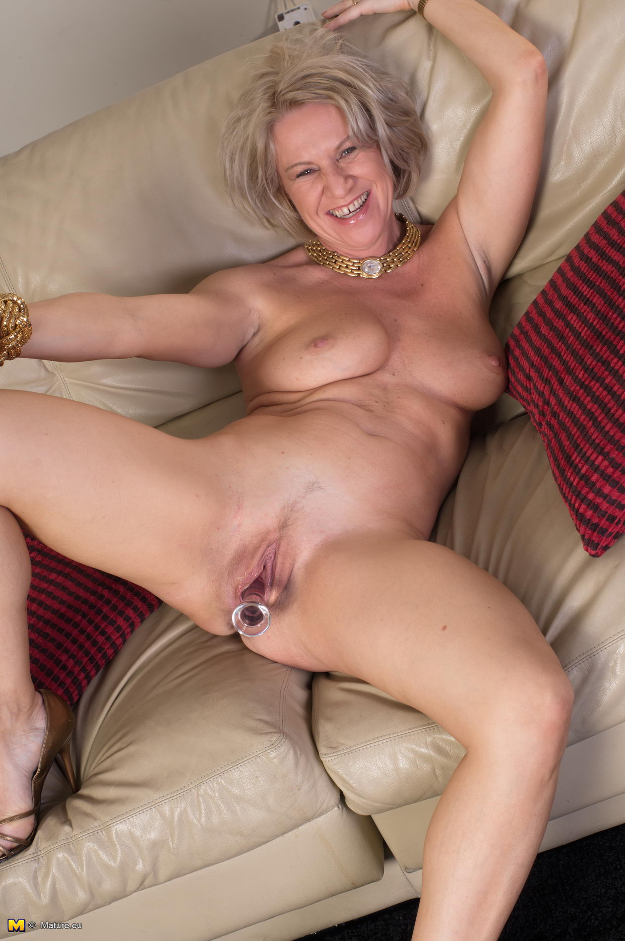 Older nudist fucking women