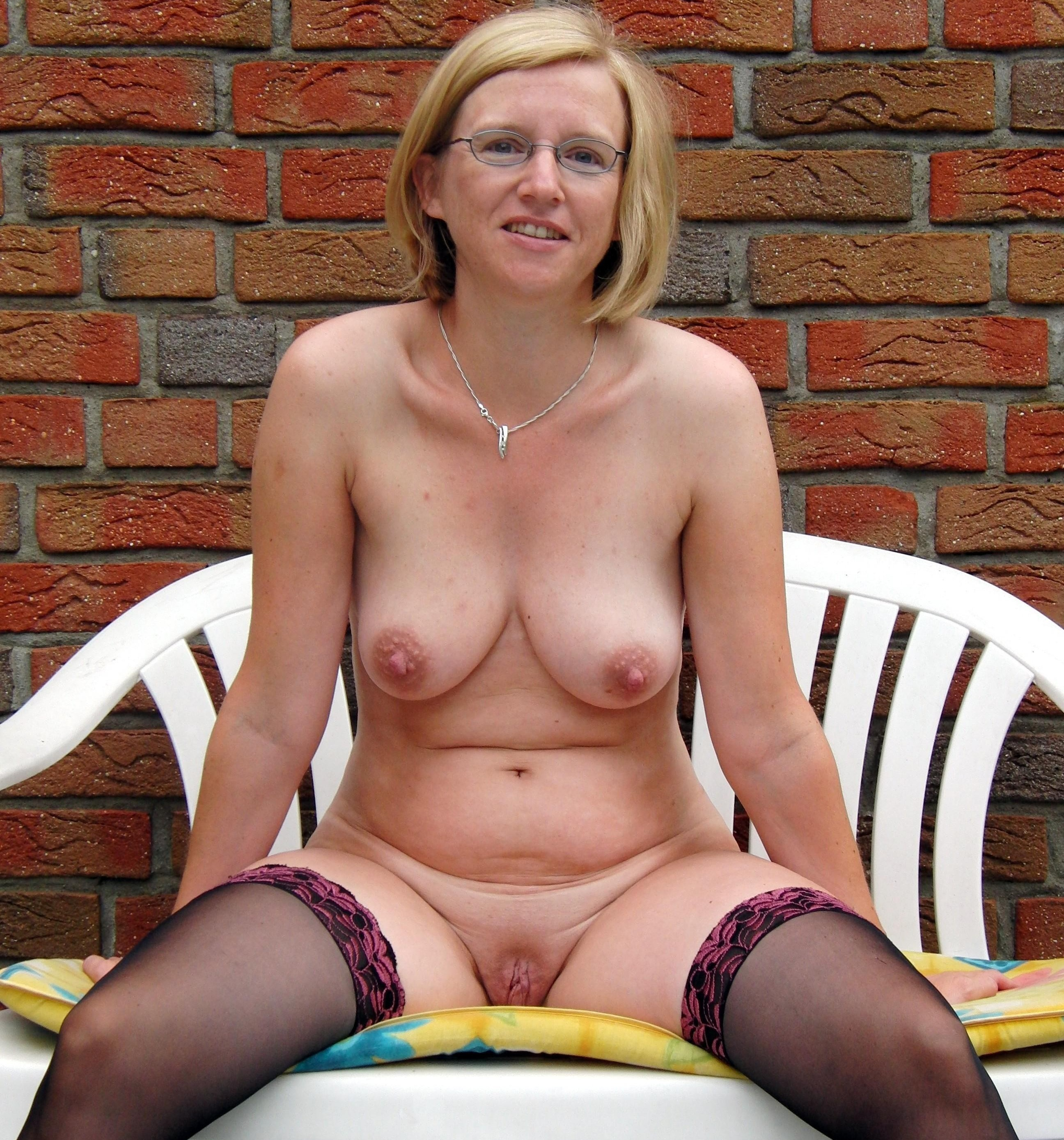 natural shaved mature