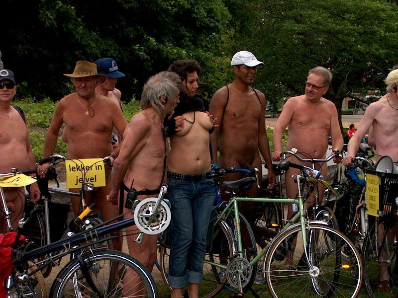 mature nudist pic mature family public nudist