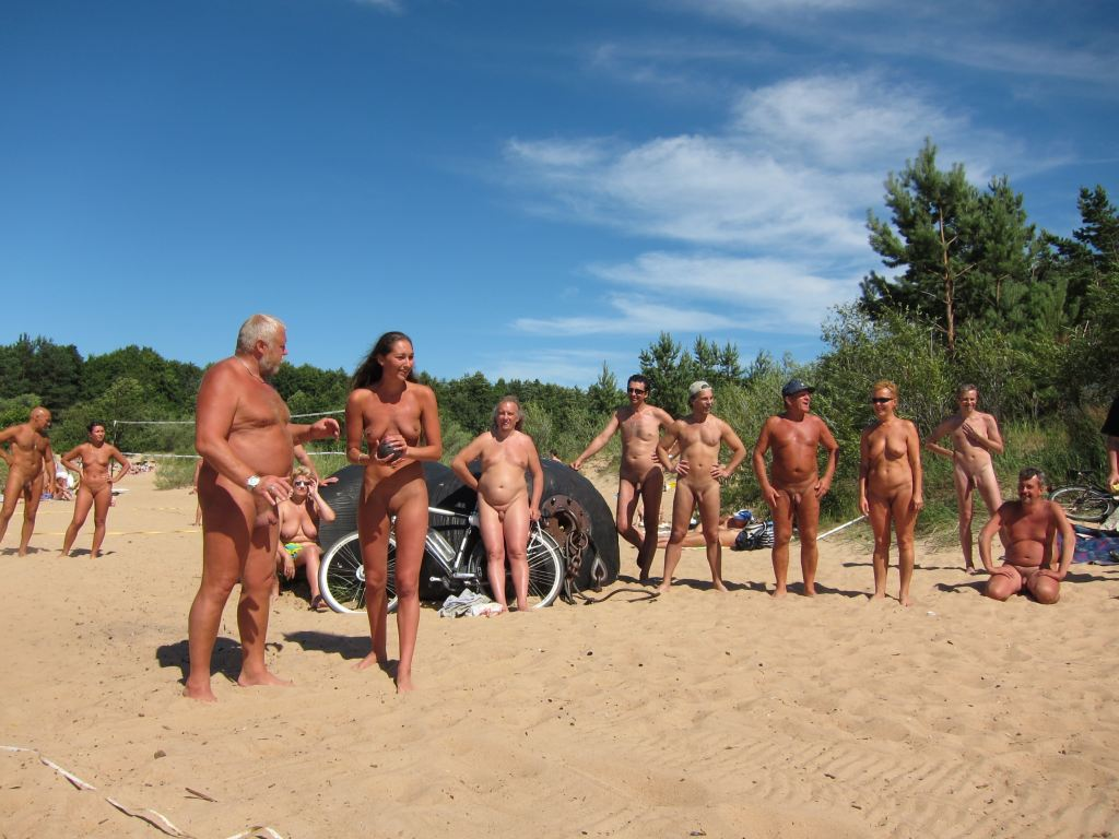 Chienne là, nudist mature pics