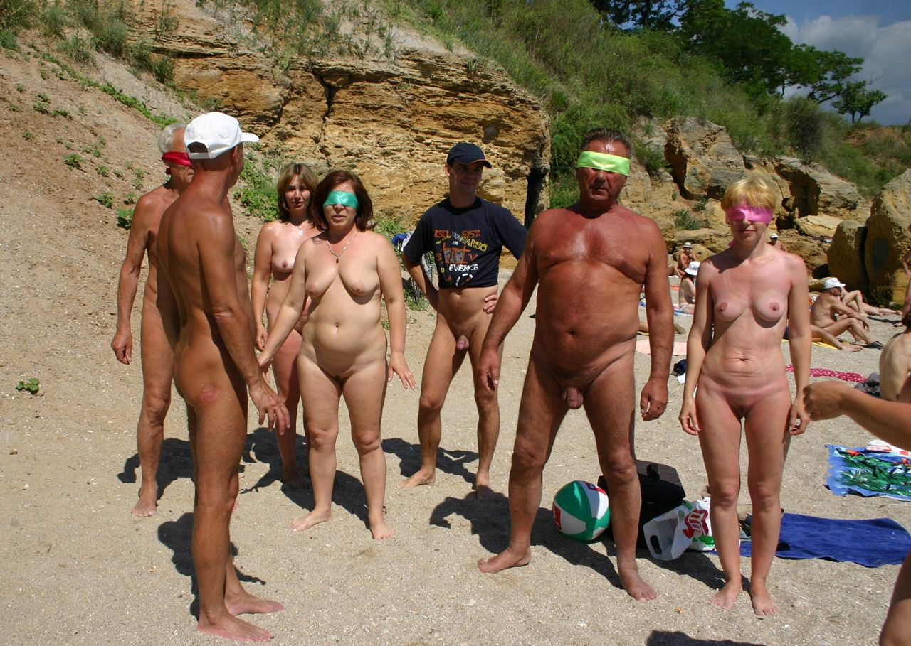 mature nudist picture photos page group family nudist