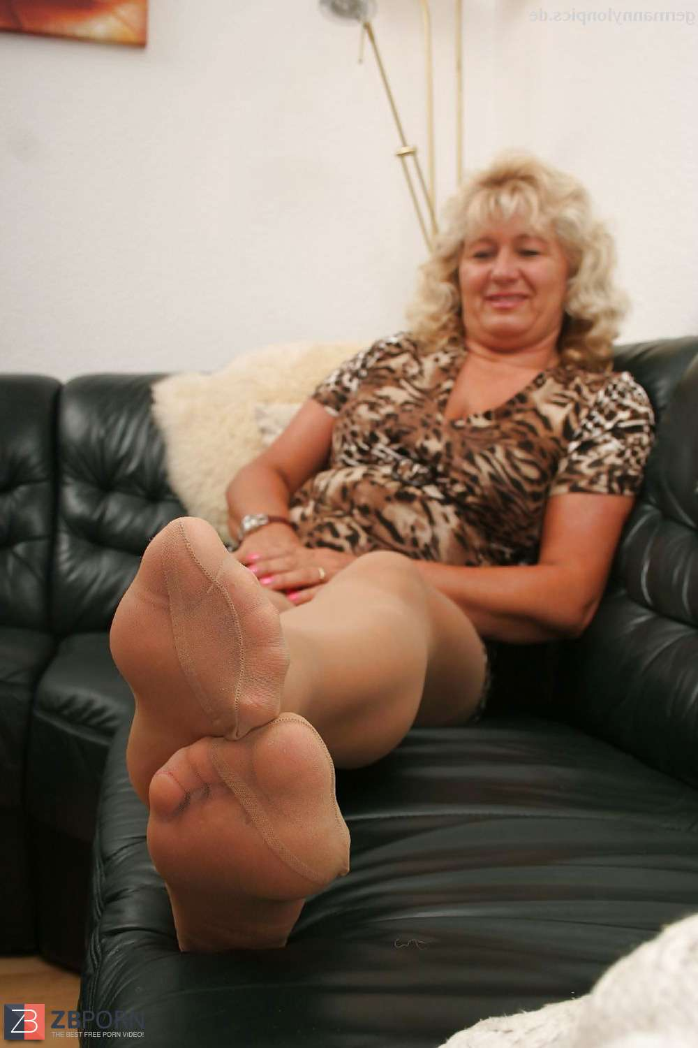 Agree, mature feet in pantyhose