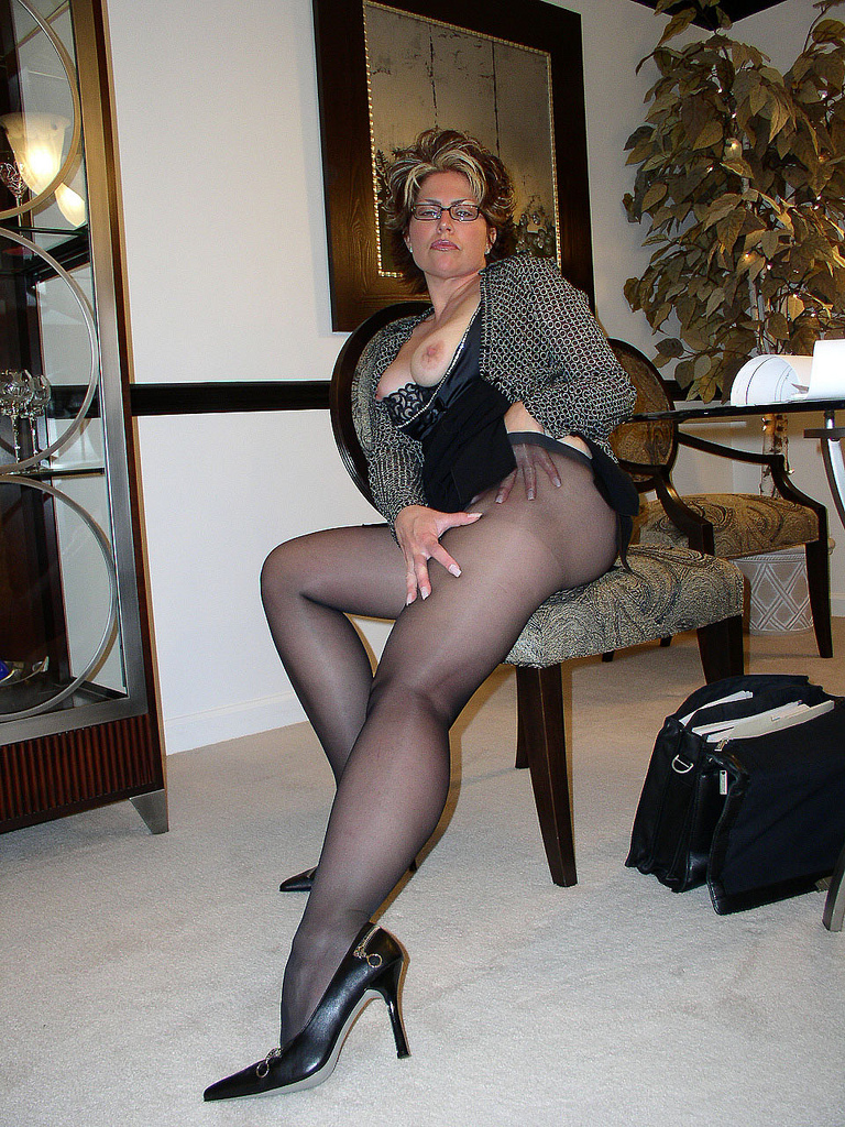 matures pantyhose videos - xxx photo
