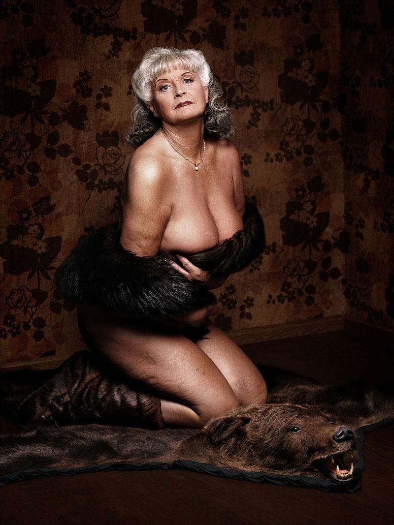 Фото ню старых женщин 10 фотография