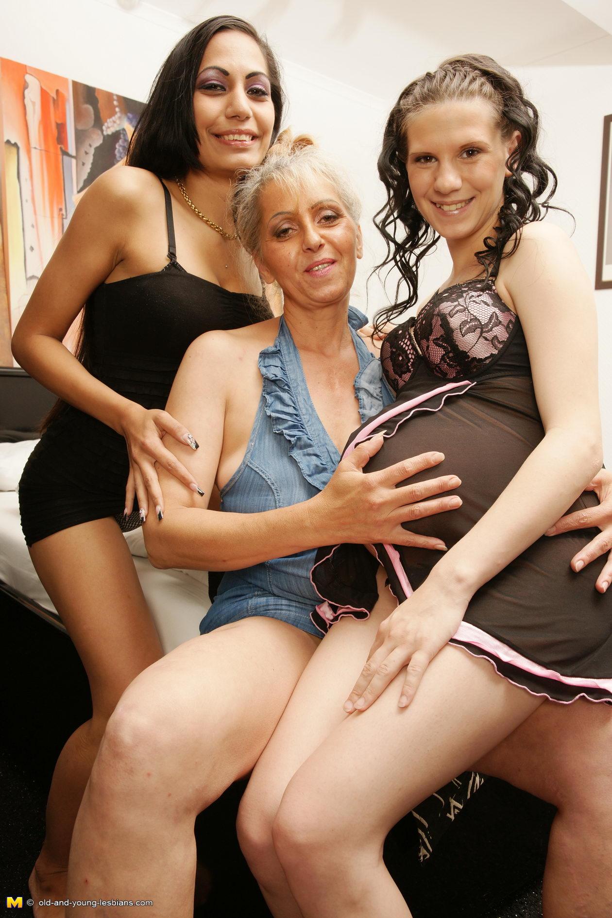Lesbians nude mature Lesbian Tube