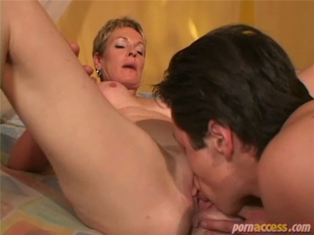 mature pussy lick pics mature pussy woman video lick bea