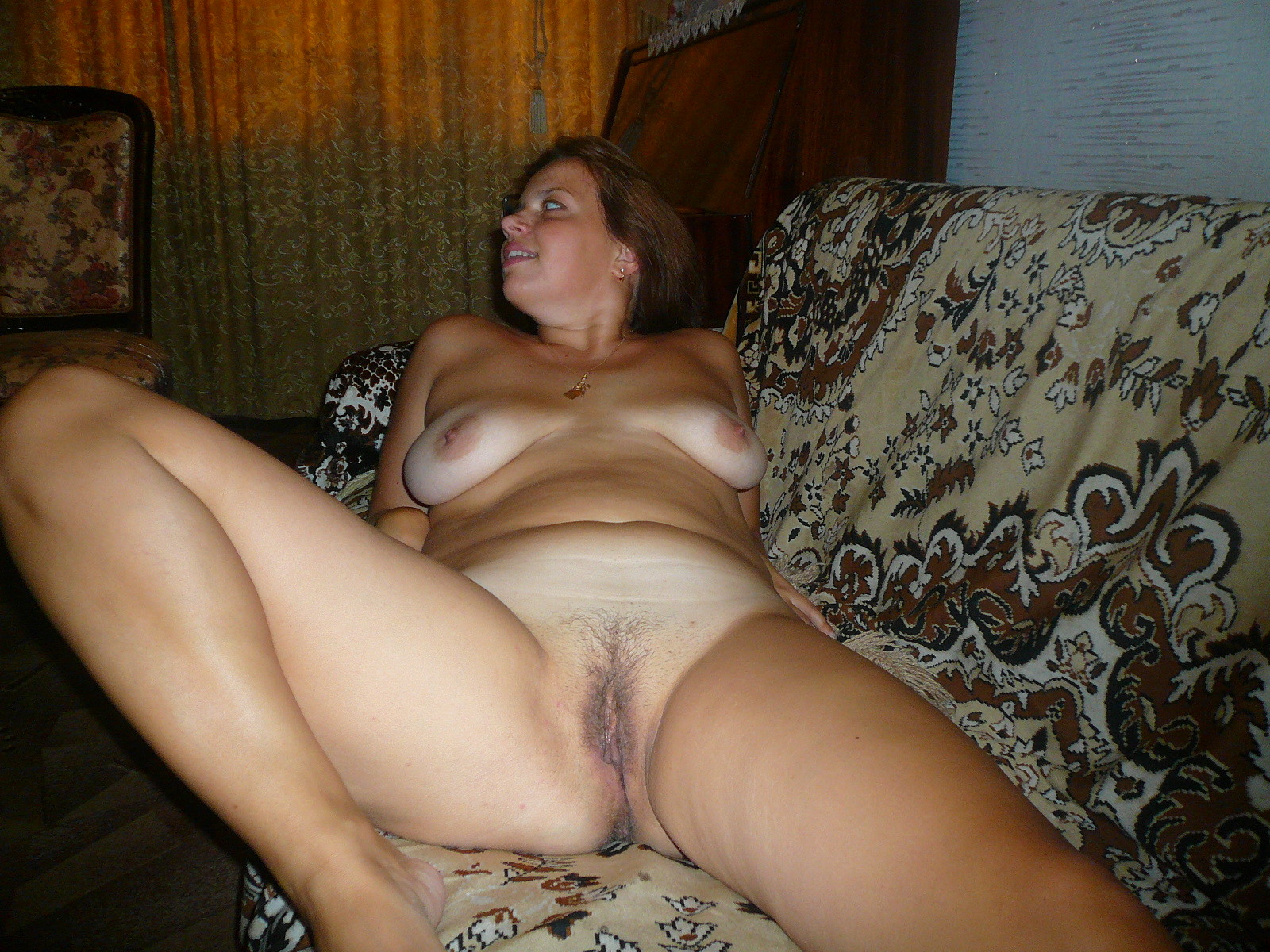 Perfect Buttocks and pussy milf