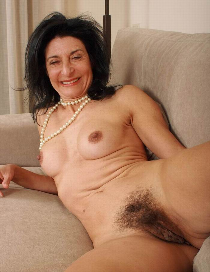 Spread pussy aunty hairy