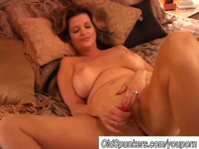 mature squirt porn pussy watch cougar gorgeous squirting