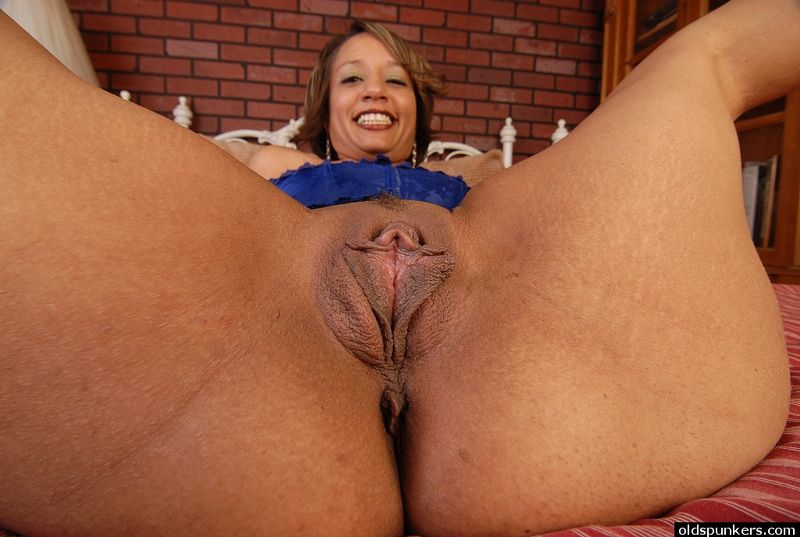 Wet old mature vaginas porn clip