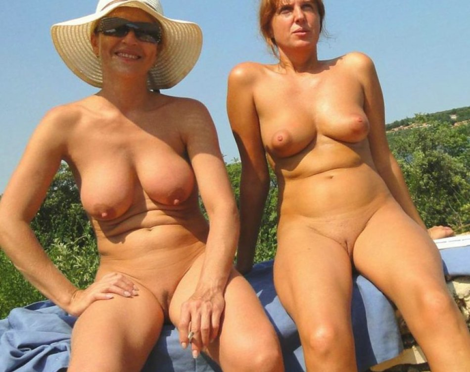 Mature black women nude photos