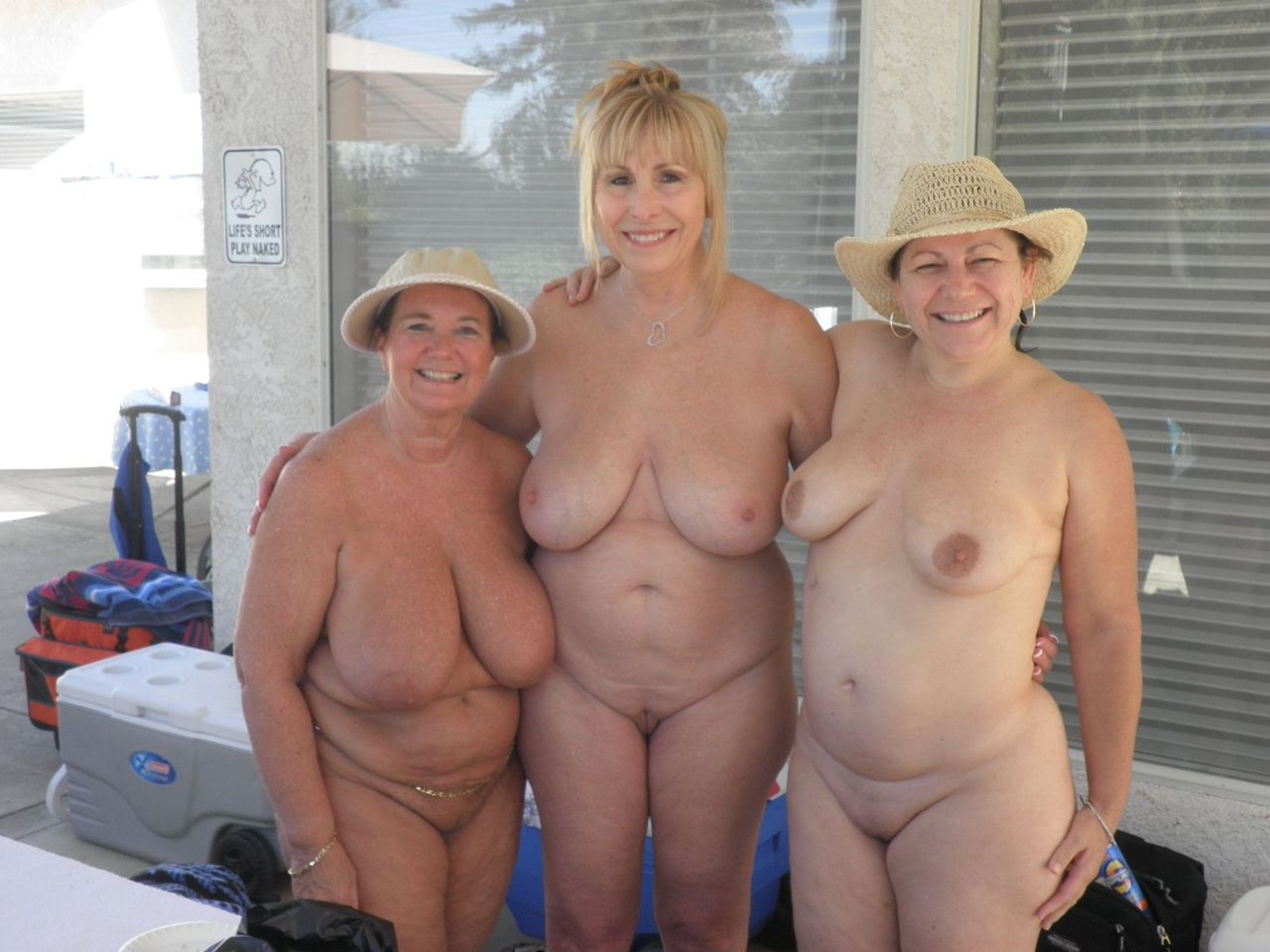 Mature Woman Nudist Mature Women Nudism: www.older-mature.net/mature-woman-nudist/196404.html