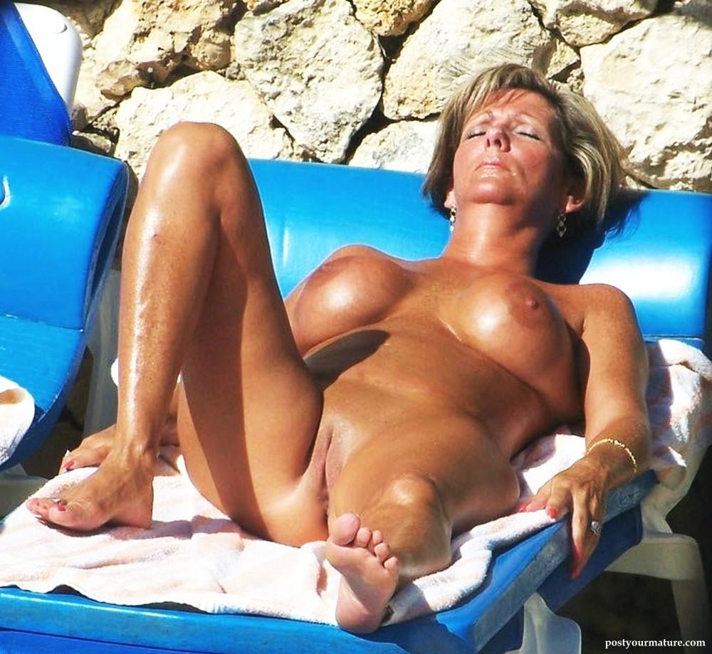 Galleries 3d mature bikinis erotic pictures