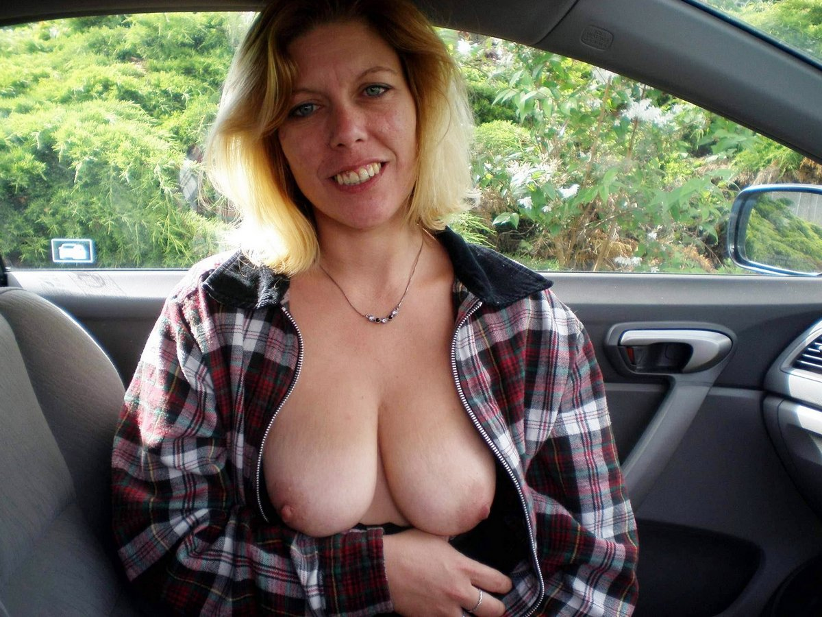 Amateur mature non nude models