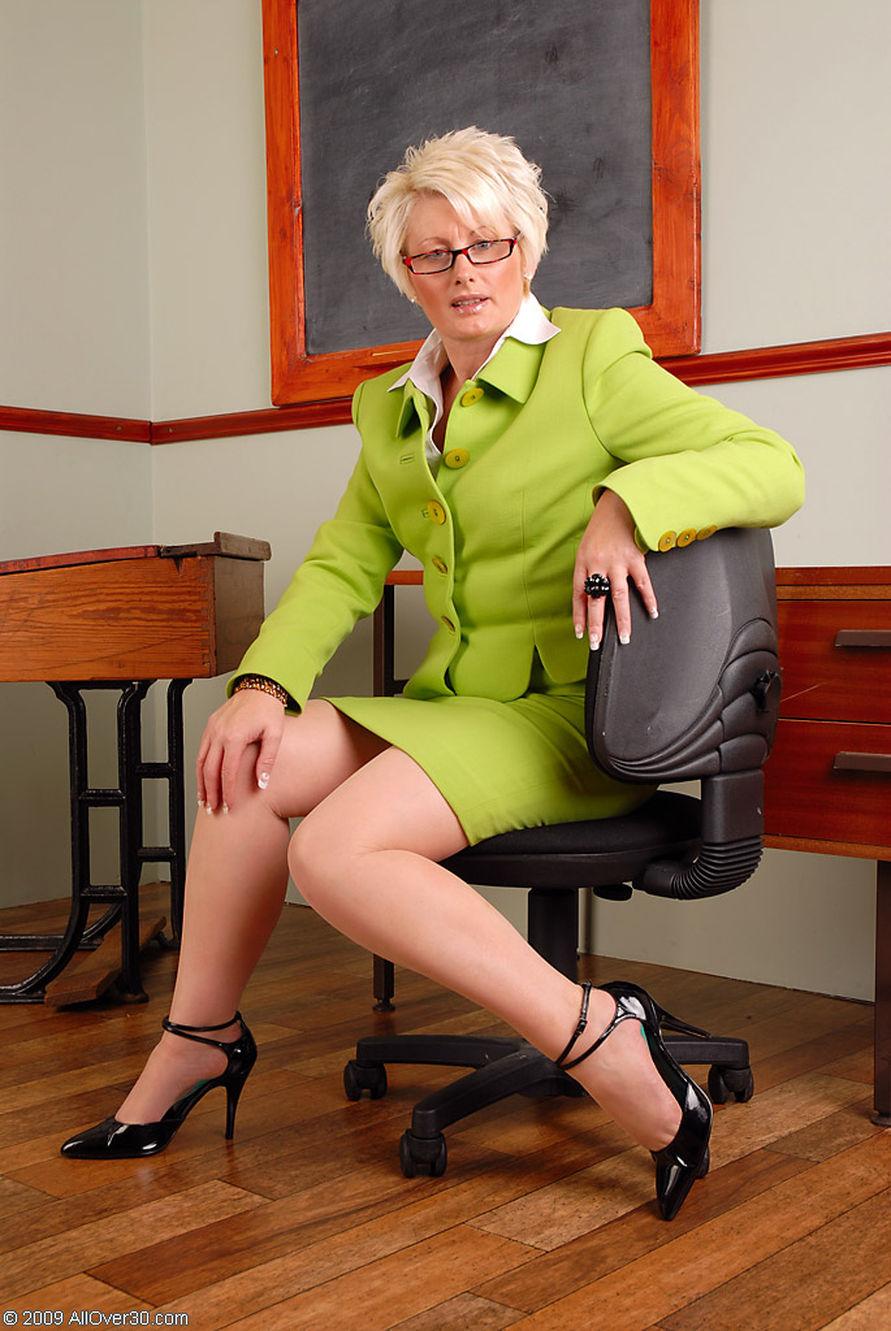 Учителя зрелые женщины
