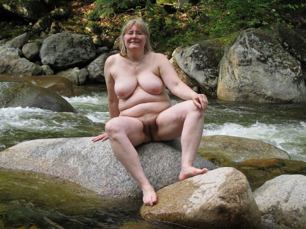 naked young croatia girl