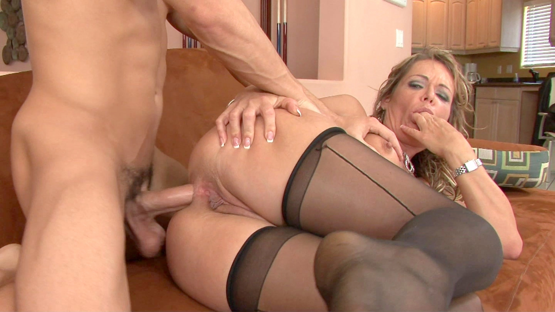 Milfs big ass cougar