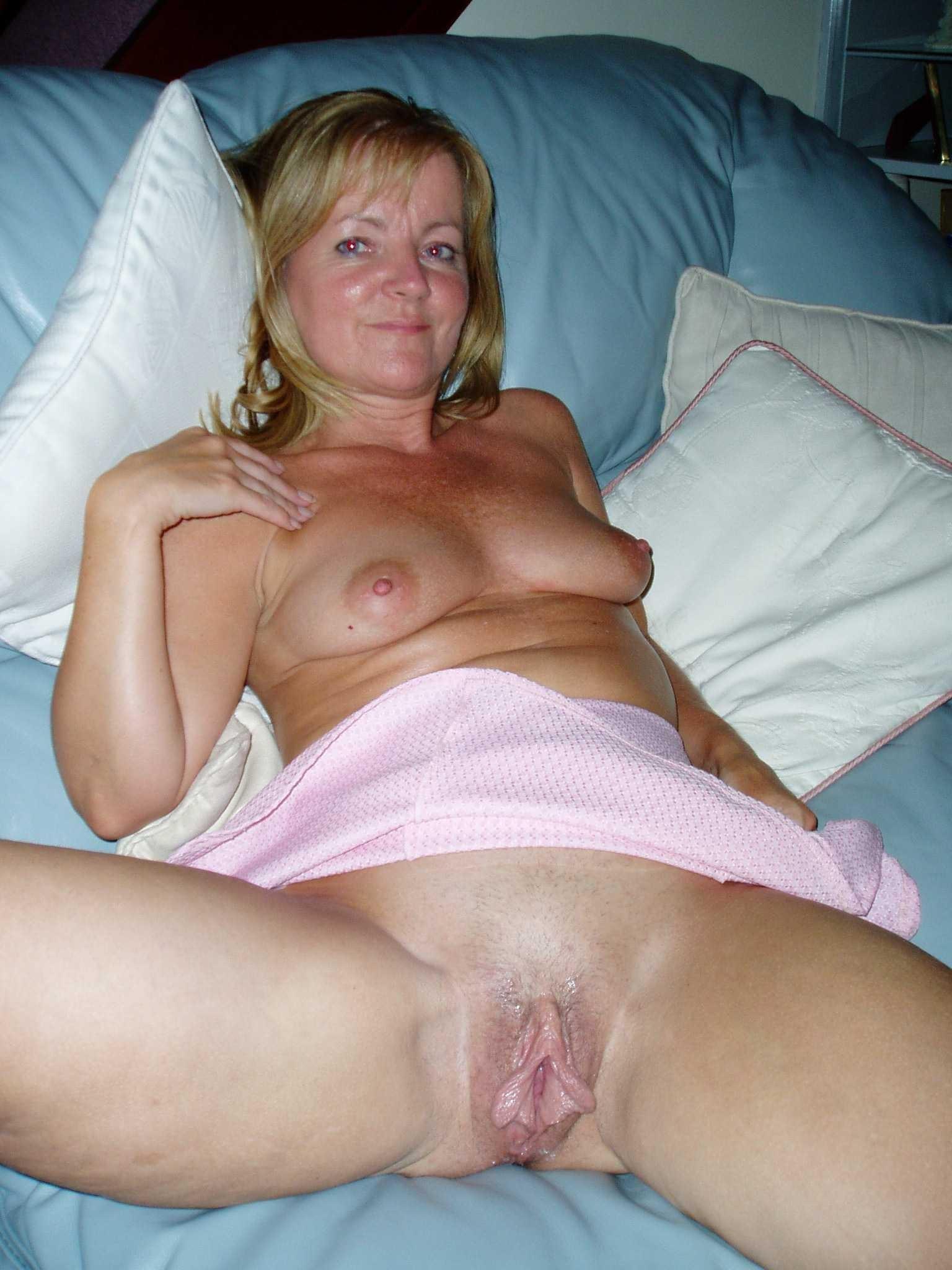 Milf Mom S Amateur Porn Photo Hot Milfs Moms Cougars
