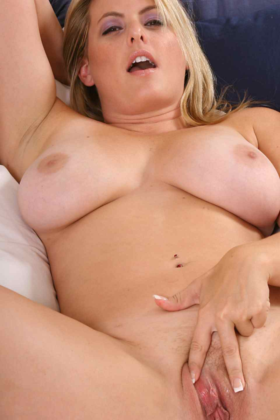 into Swinger pic post looking for guy fuck