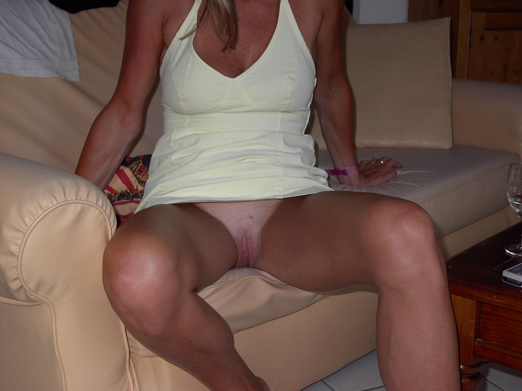 Milf short skirt upskirt