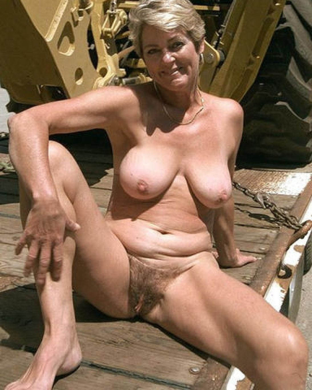 outdoors Mature milf sex