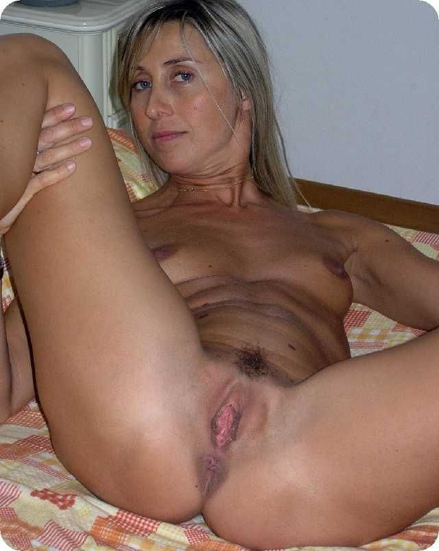 milfs moms matures mature mom milf horny