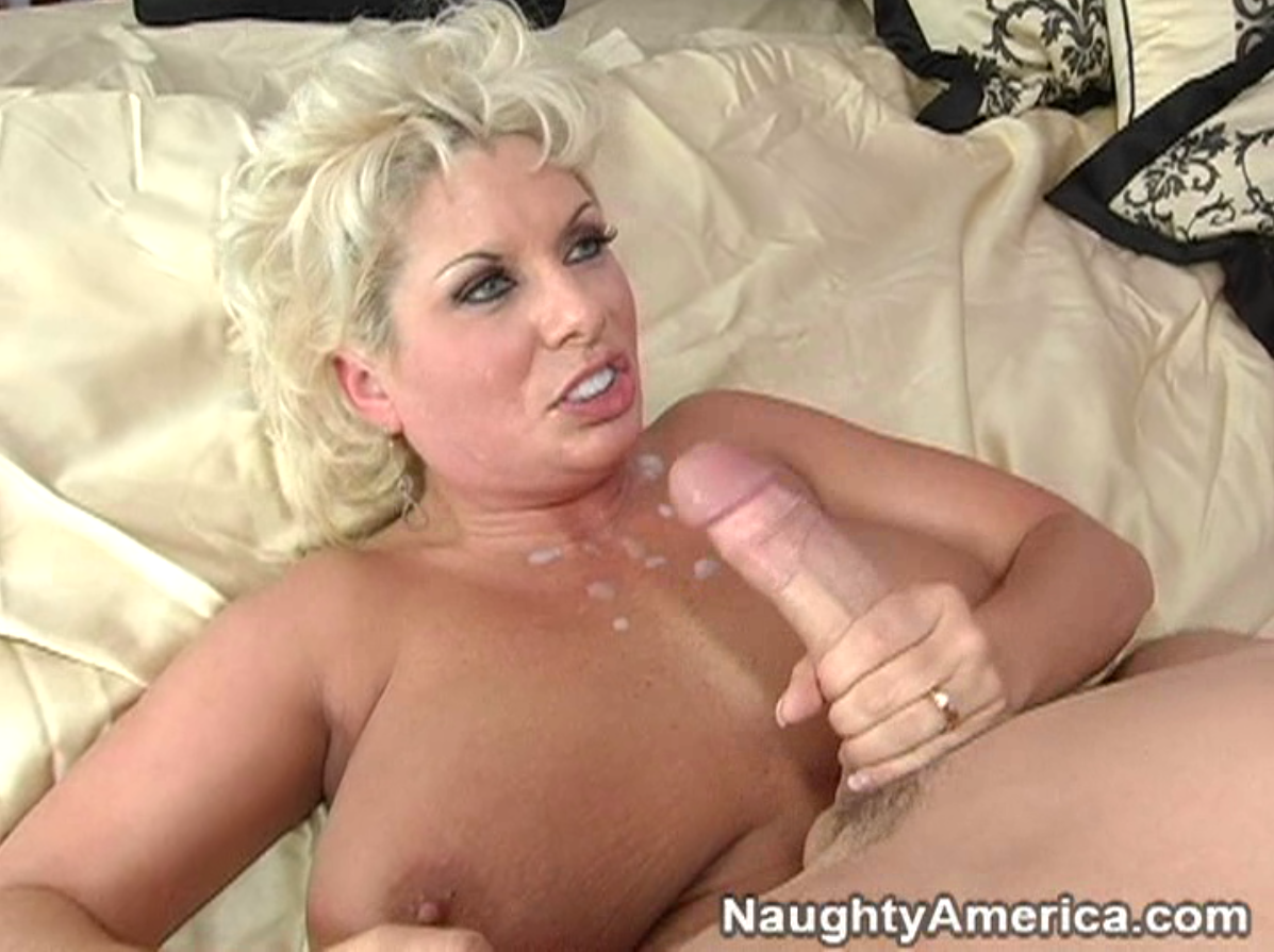 Mature moms fuck boy friend