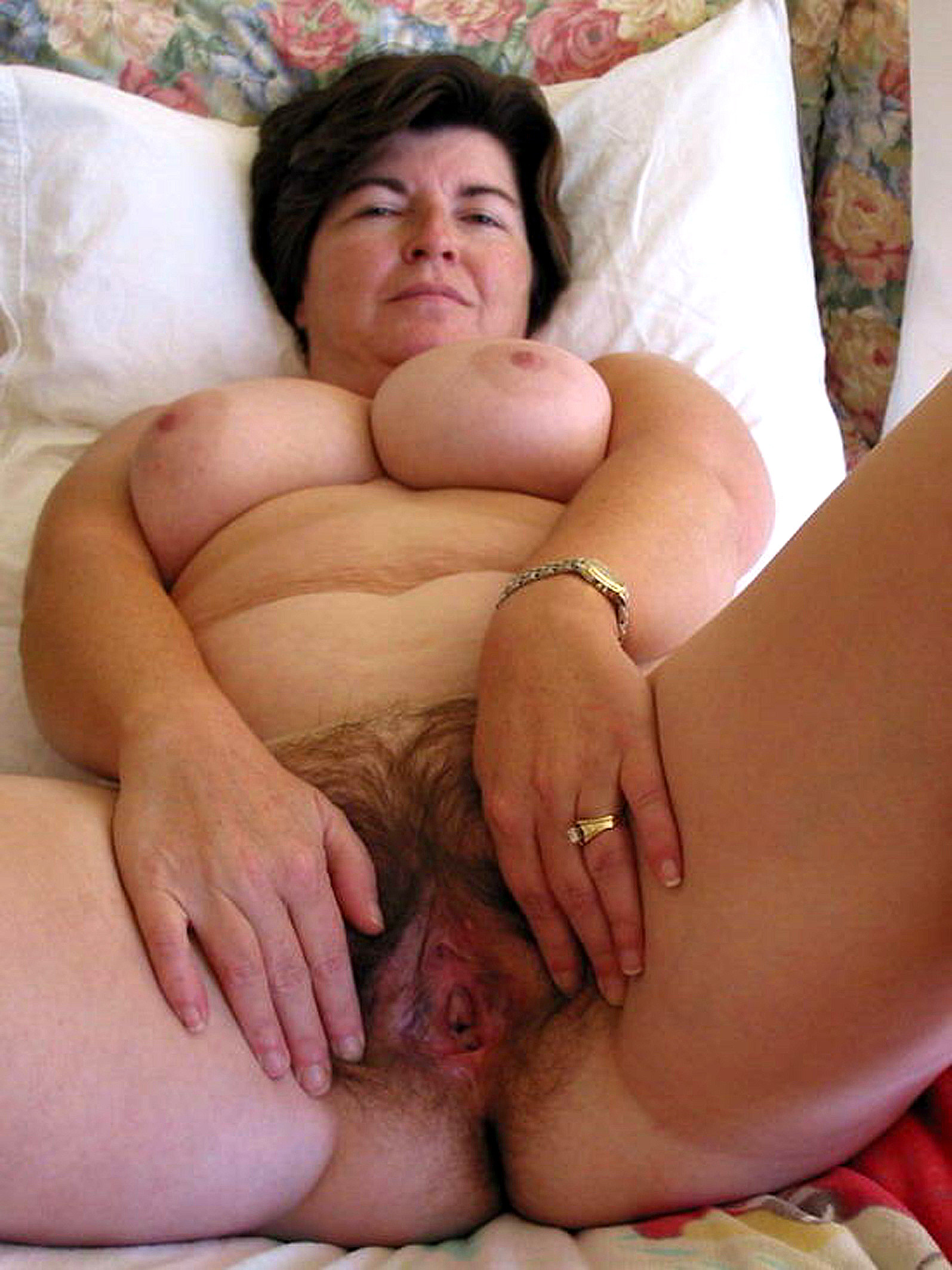 Mature wife mom please