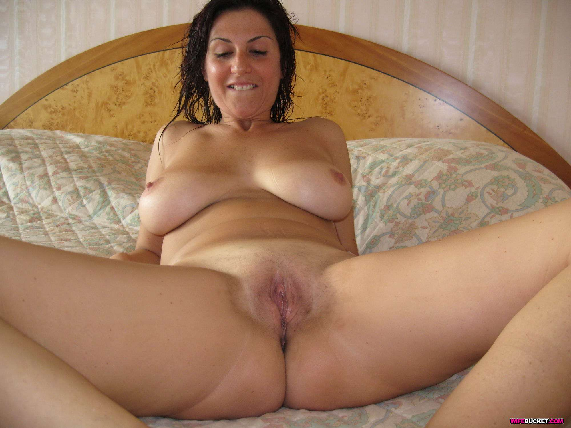 Amatuer mature women glamour