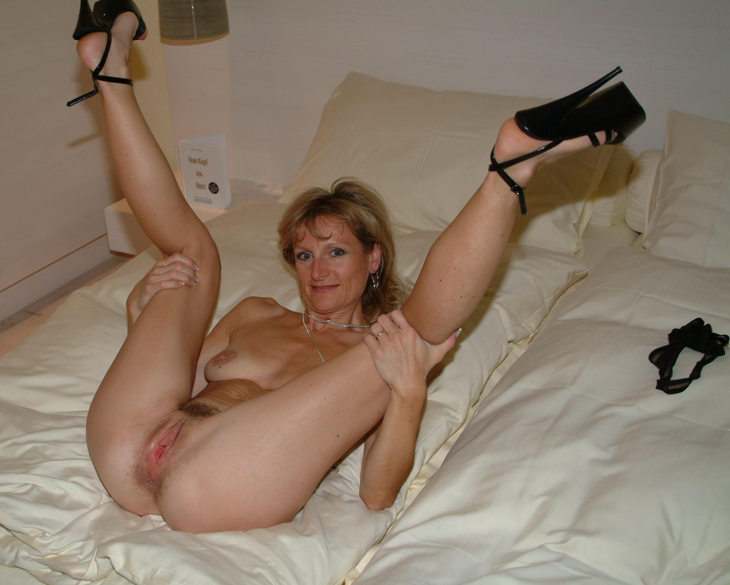 moms sexy porn amateur nude porn milf hot milfs sexy moms cougars
