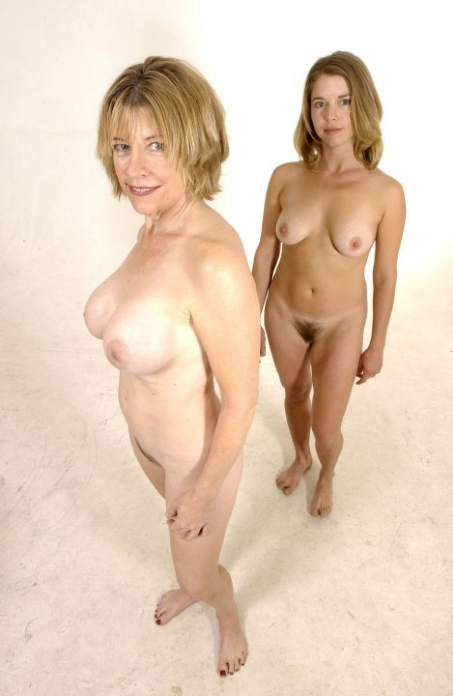 Человек сам голые молодые мамы след раз