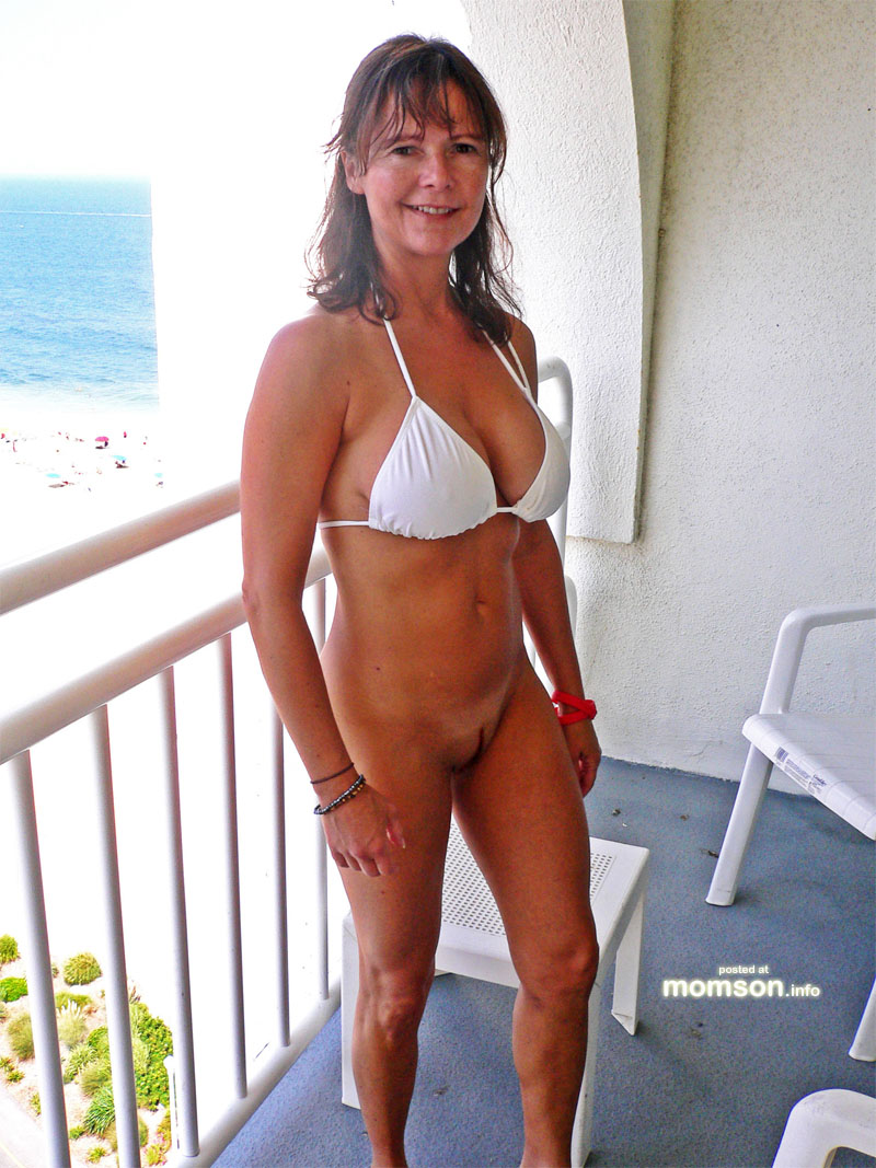 cougar bikini hot Momma