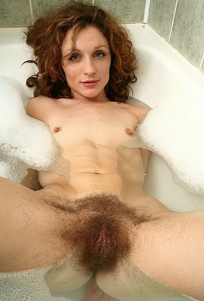 Hairy Naked Old Women 10