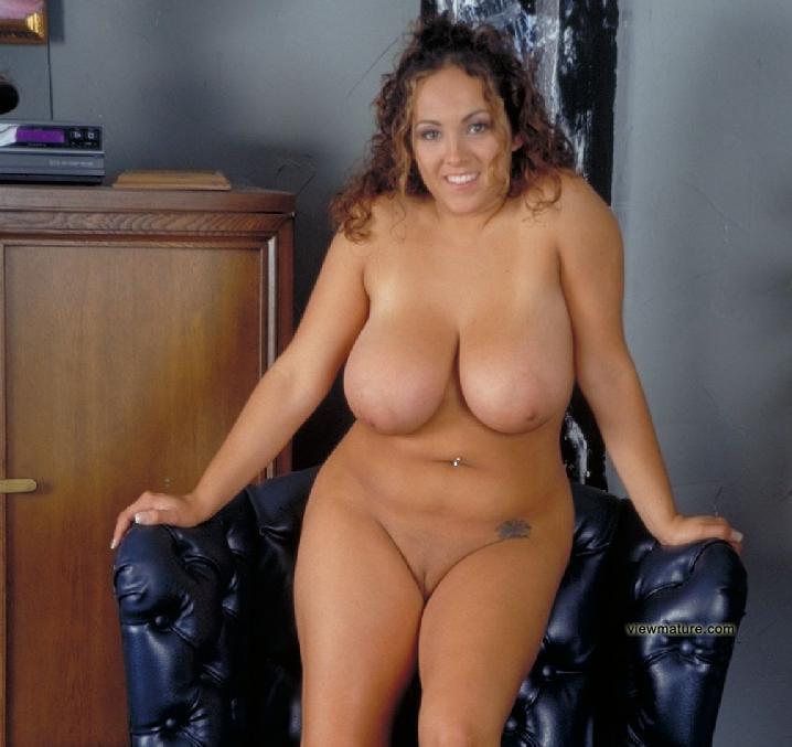 naked mom s pictures pics women hot album curvy amazing voluptuous