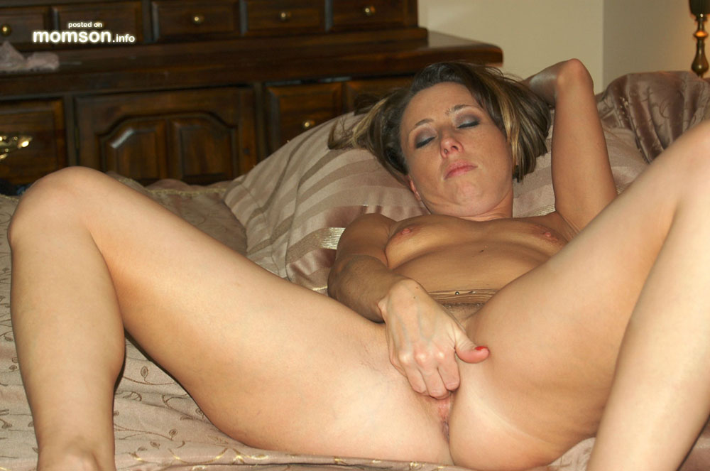 Hot moms masterbating