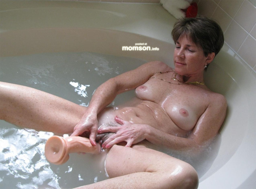 nude moms free galleries