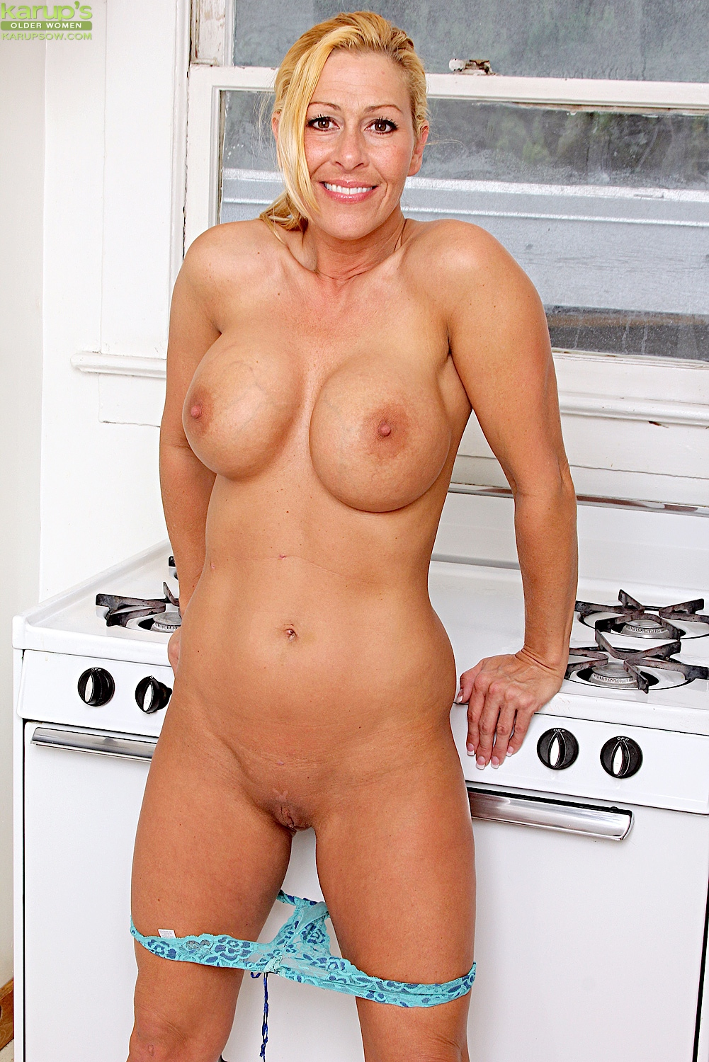 Mom naked hot
