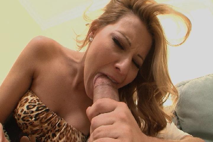 Super hot nude cougar