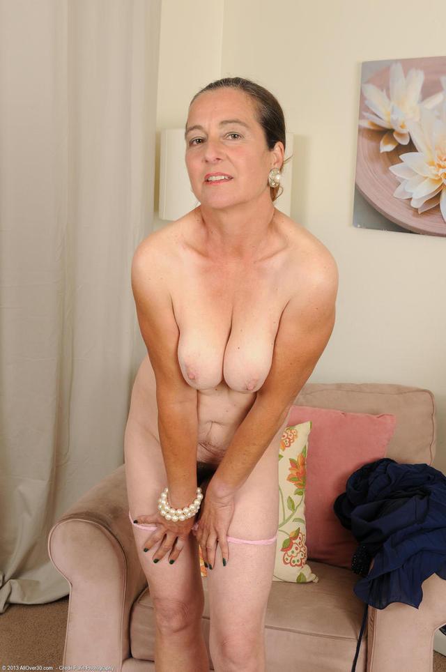 Plain Jane Nude Moms