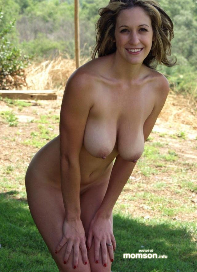 naked mom at garden