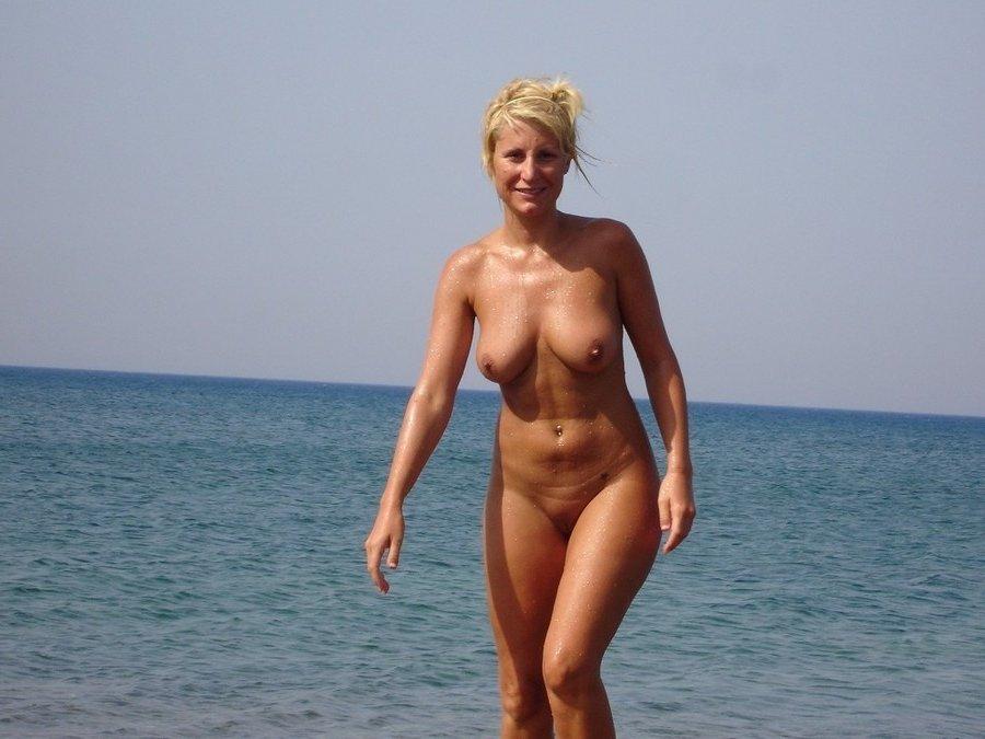 self shot air force girl naked