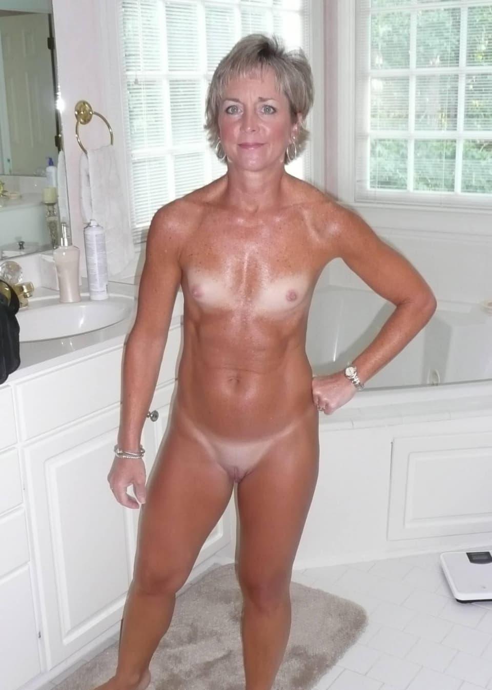 Scarlett johansson naked lesbian