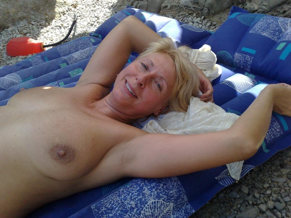 Nude Oldies - Quality Picture Galleries - Nude Older Women