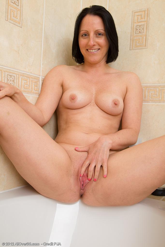 photos of older naked women