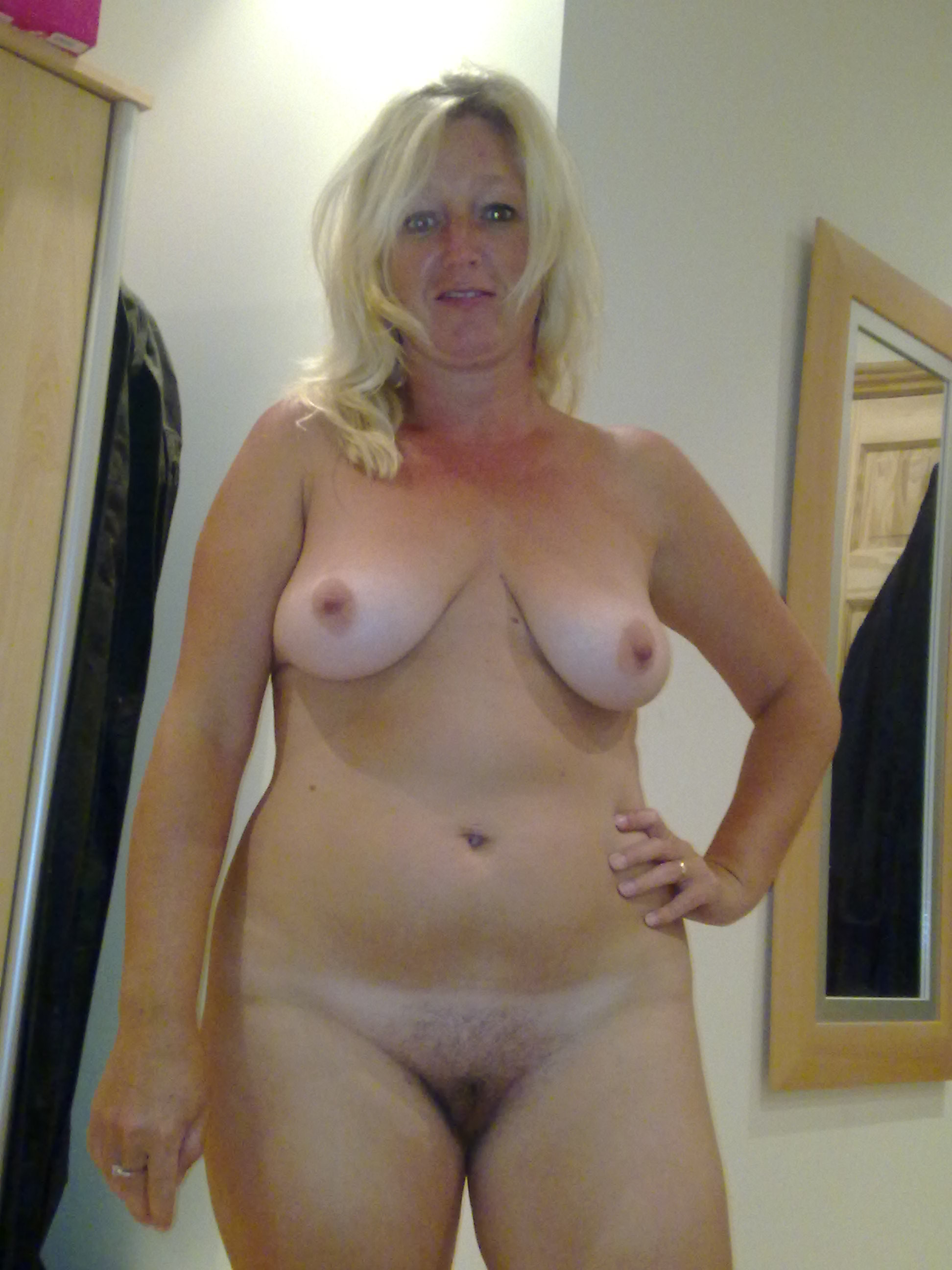 Wife gallery nude Hot Wife