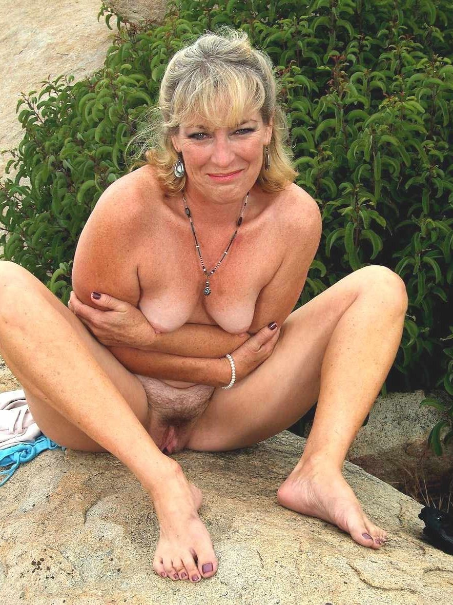 Granny busty nudist