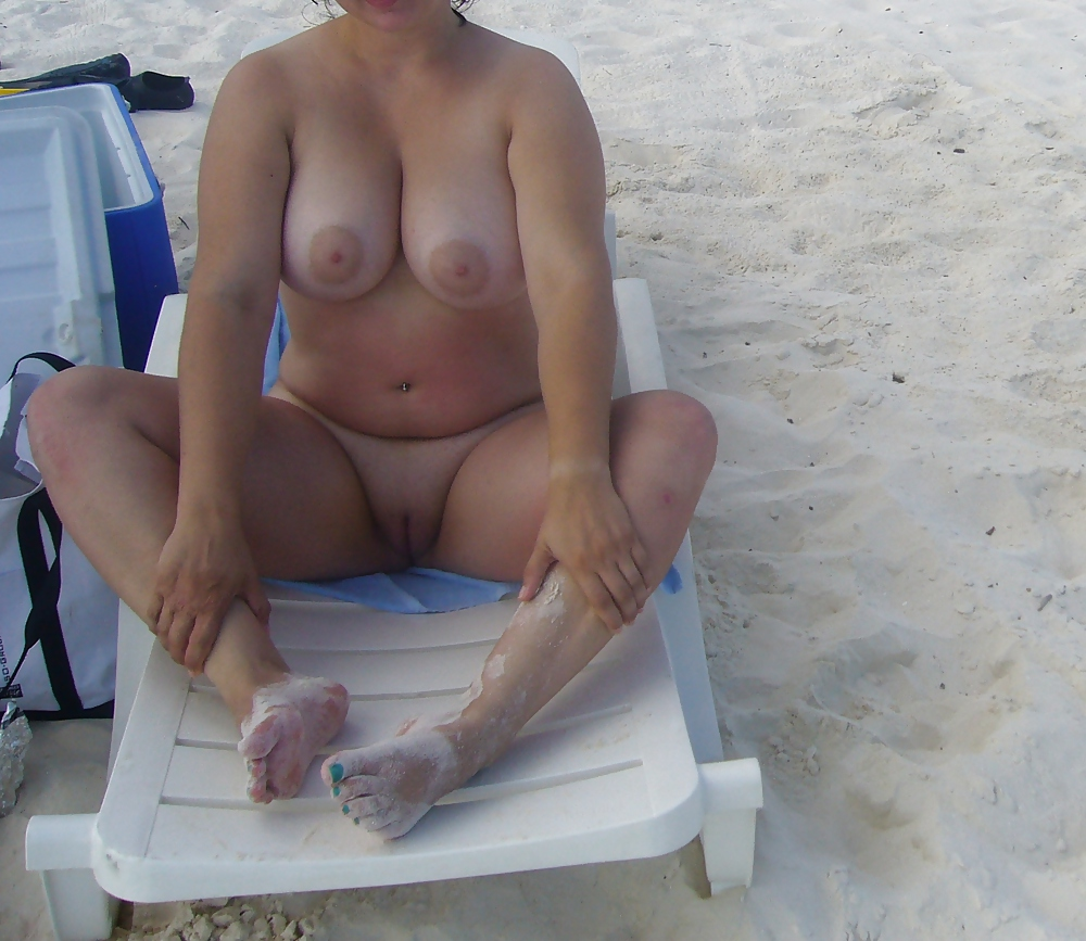 Can Mature moms nudists
