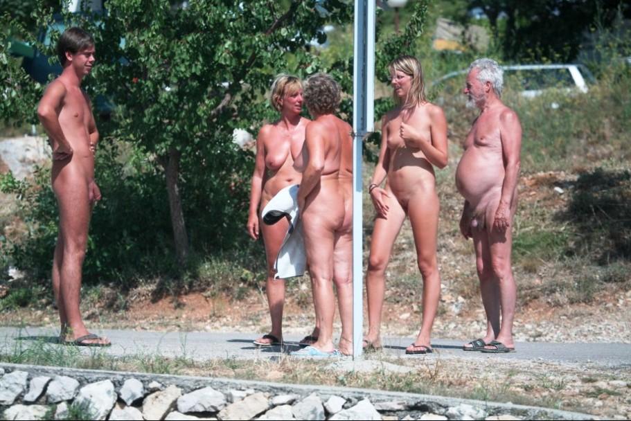 nudist photos mature mature young page holiday nudists naturism