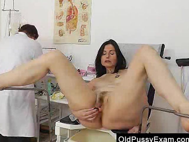 old pussy moms pussy watch old hairy mama oma gray inspection