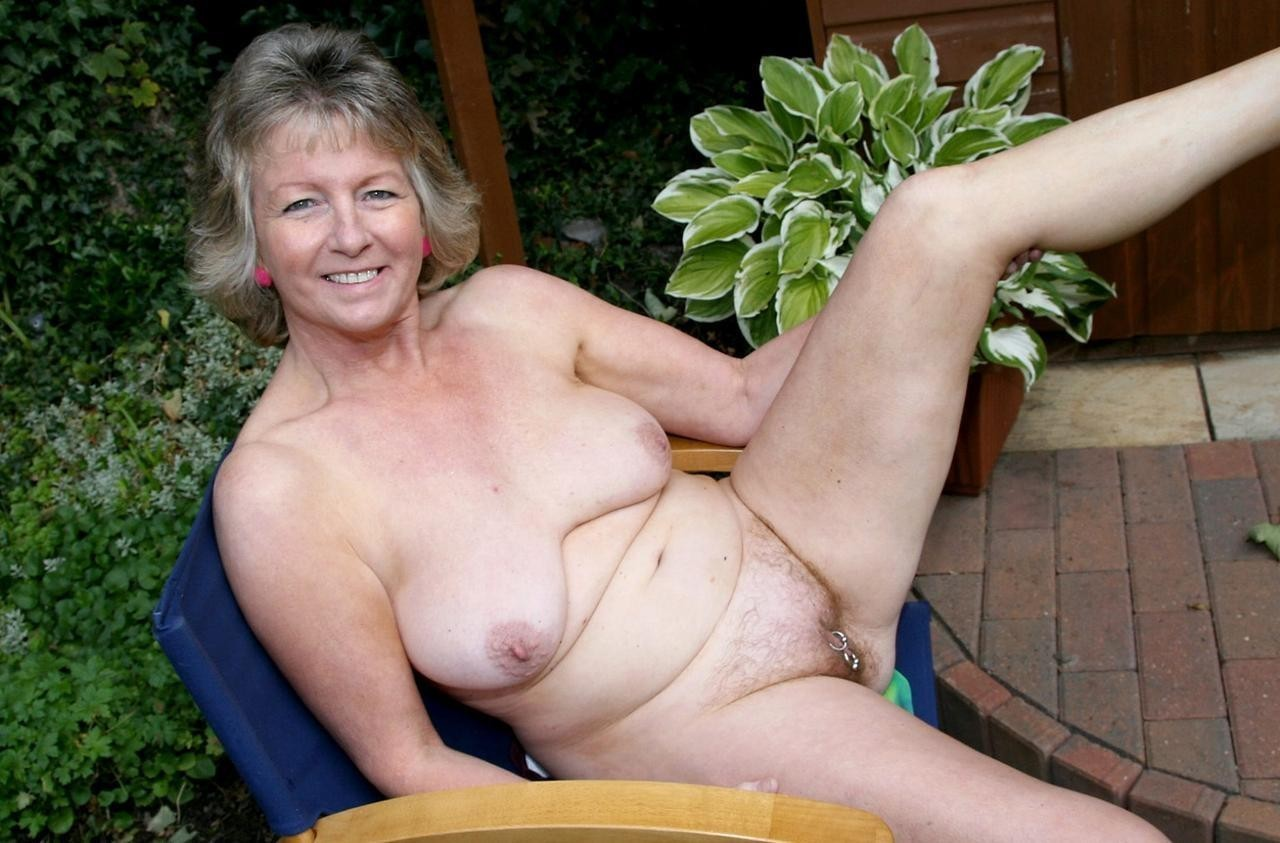 Housewives 6823 mature amateur senior